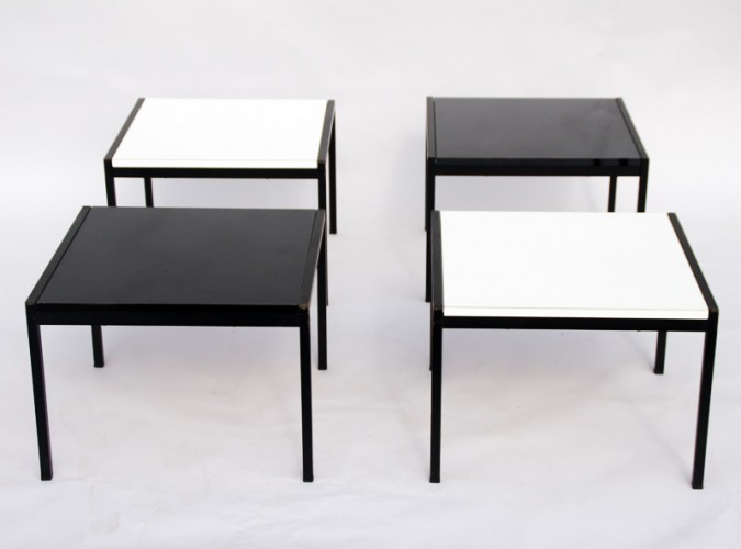 QUATRE TABLES FORMANT TABLE BASSE DE CHARLES BERNARD
