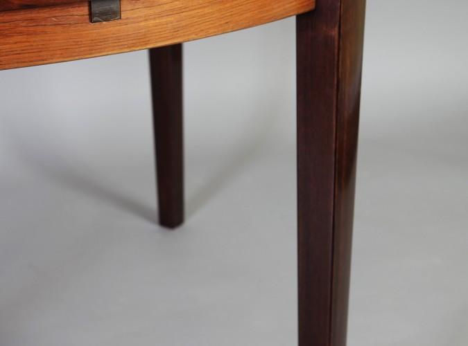 table dyrlund 3