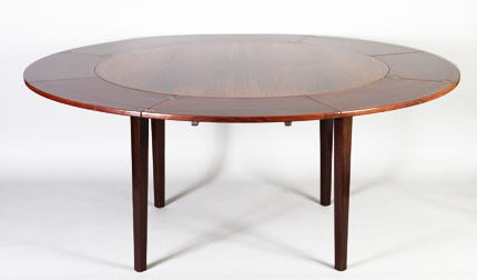 table dyrlund
