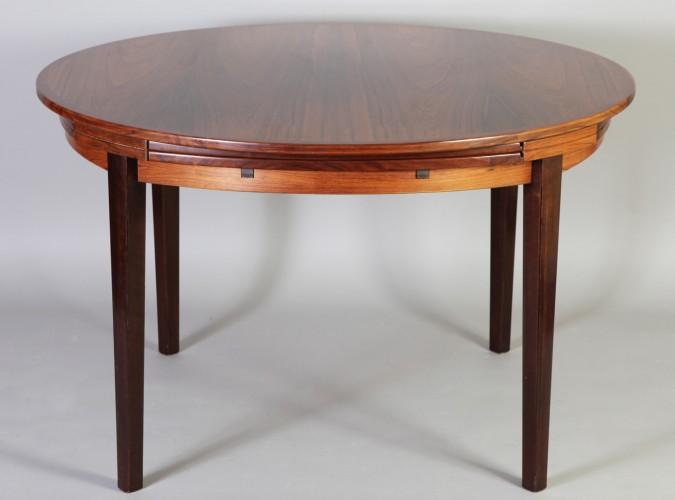 table dyrlund2
